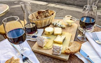 Wine and cheese tasting, Travel Bar